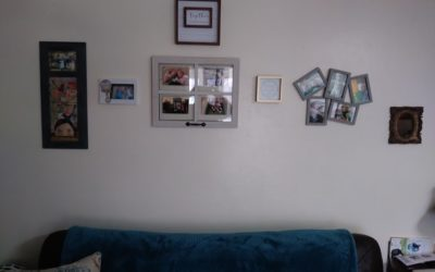 Create a Beautiful but Simple Gallery Wall